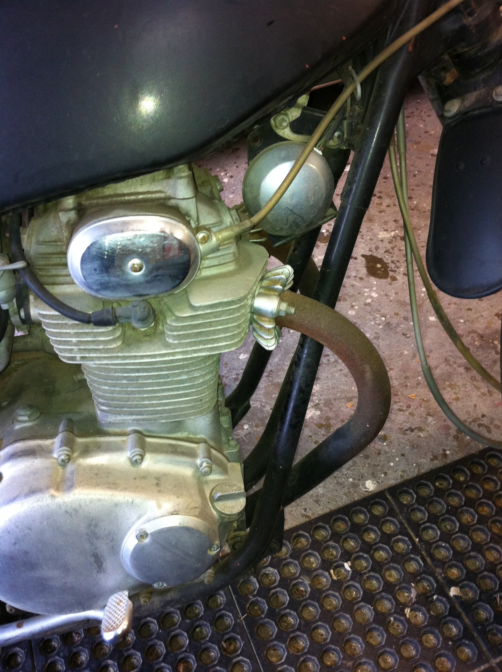 Has a CB750 horn installed