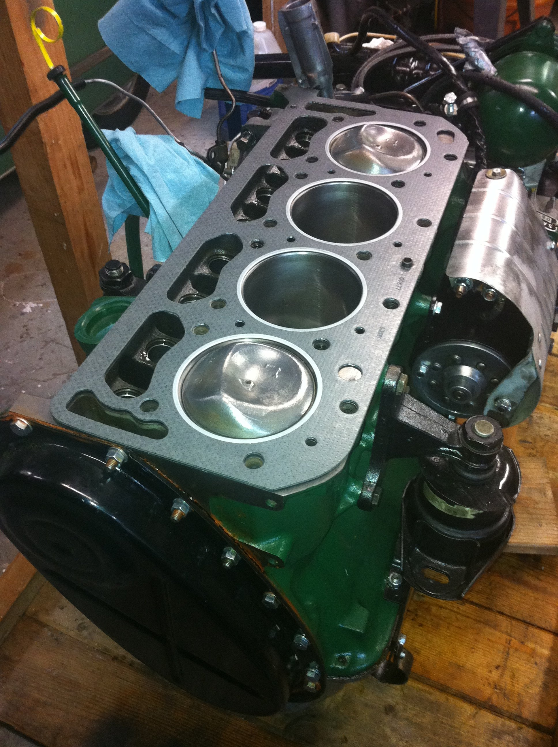 January 4, the new head gasket arrives, time for reassembly